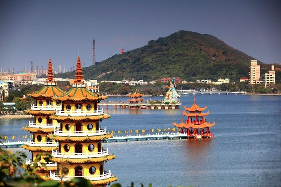Hồ Nhật Nguyệt