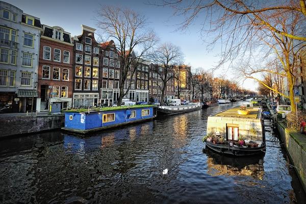 Kênh đào Amsterdam.