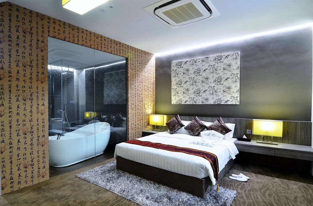 Bliss Hotel Singapore